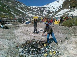Marhi-Rohtang-Plastic-Garbage
