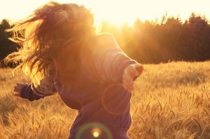 feelings_happiness_sunshine_freedom_girl_happy-fb8641fa231ee1cbdd389e2f773a1b3b_h_large